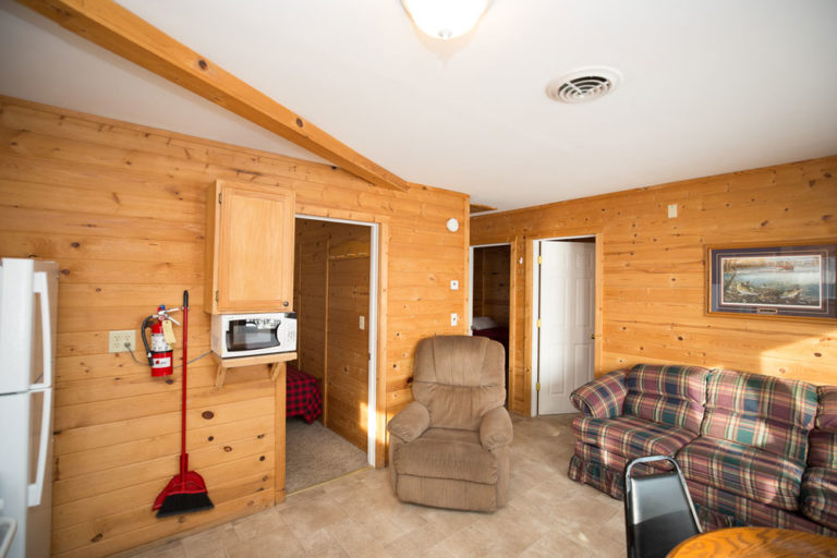 Cabin-1-Lake-of-the-Woods-Fishing-Resort-River-Bend-rbr-57-WEB