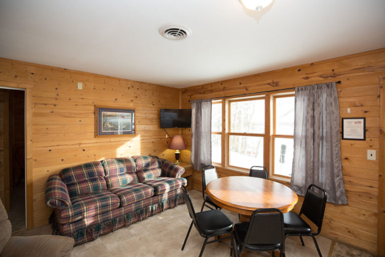Cabin-1-Lake-of-the-Woods-Fishing-Resort-River-Bend-rbr-72-WEB