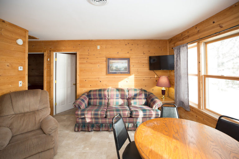Cabin-1-Lake-of-the-Woods-Fishing-Resort-River-Bend-rbr-73-WEB