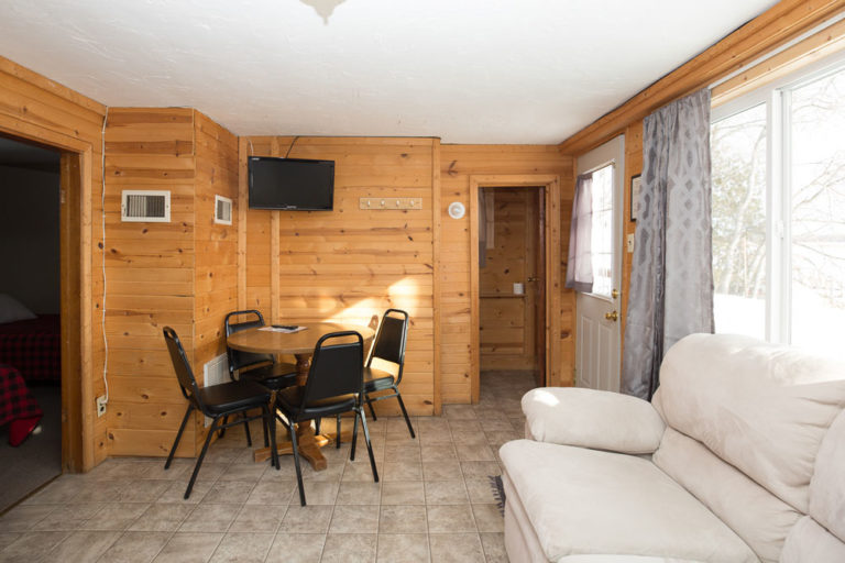 Cabin-2-Lake-of-the-Woods-Fishing-Resort-River-Bend-rbr-93-WEB
