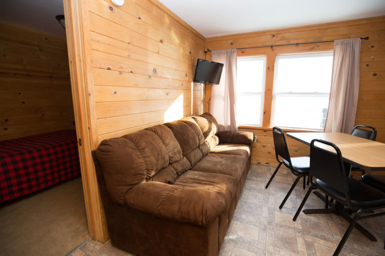 Cabin-3-Lake-of-the-Woods-Fishing-Resort-River-Bend-rbr-106-WEB