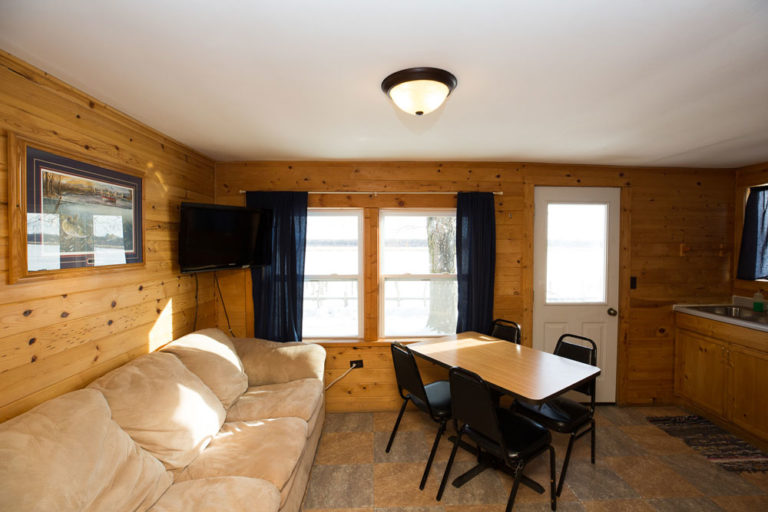 Cabin-5-Lake-of-the-Woods-Fishing-Resort-River-Bend-rbr-141-WEB