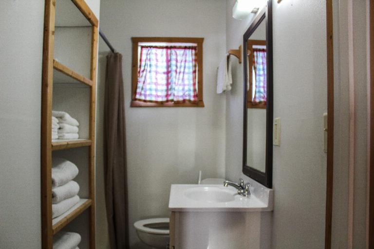 Cabin 1- Bathroom